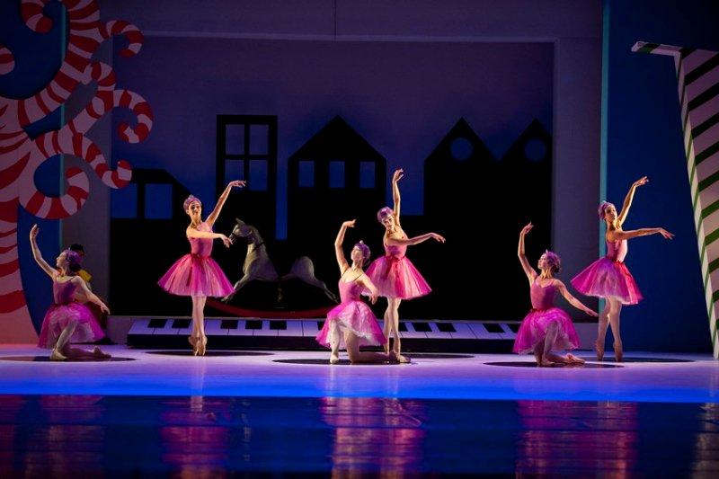 8_ballerinas-jpg