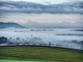 Dorfbeuern im Nebel