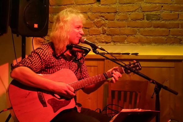 Fred Hölzl - Blueswuzeln