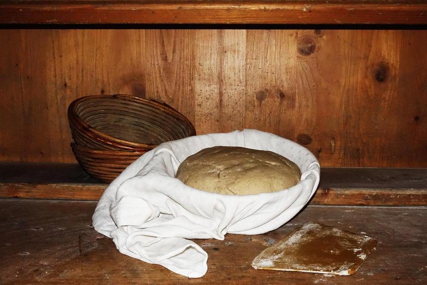 Brotbacken beim Esserbauern