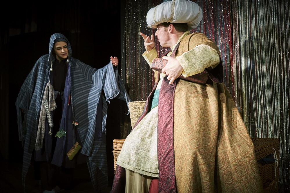 theaterachse_kalif-storch_01