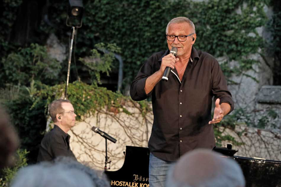 Konstantin Wecker und Jo Barnikel SOLO ZU ZWEIT Salzachfestspiele 2018
