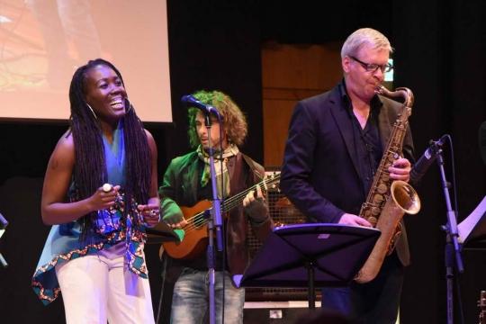 Jazz-meets-Klassik-Night-Cassandra-McConnell-Chanda-Rule-and-Culturessence-5-Foto-Robert-Raschhofer