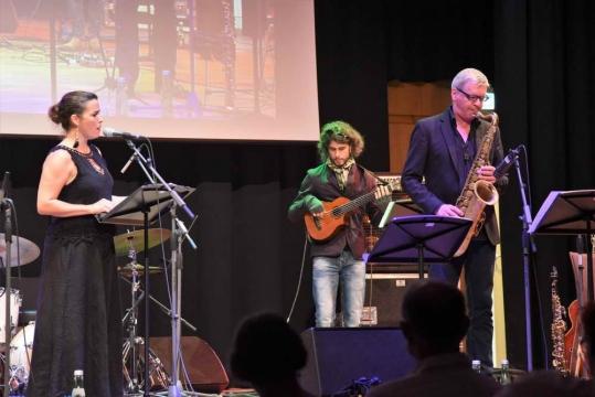 Jazz-meets-Klassik-Night-Cassandra-McConnell-and-Culturessence-1-Foto-Robert-Raschhofer