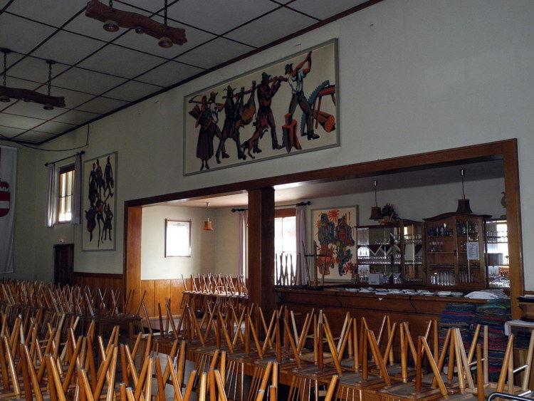 Der Saal mit Blick auf die Bar.