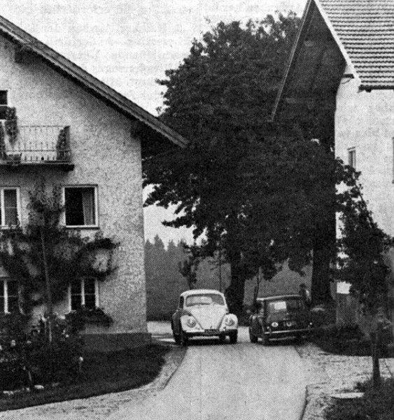 Solche Engstellen gab es bisher auf der Gemeindestraße Schwerting - Außerfürth, die nunmehr neu trassiert und zeitgemäß ausgebaut wird. Voraussichtlich wird sie dann mit Beginn des kommenden Jahres vom Land übernommen.