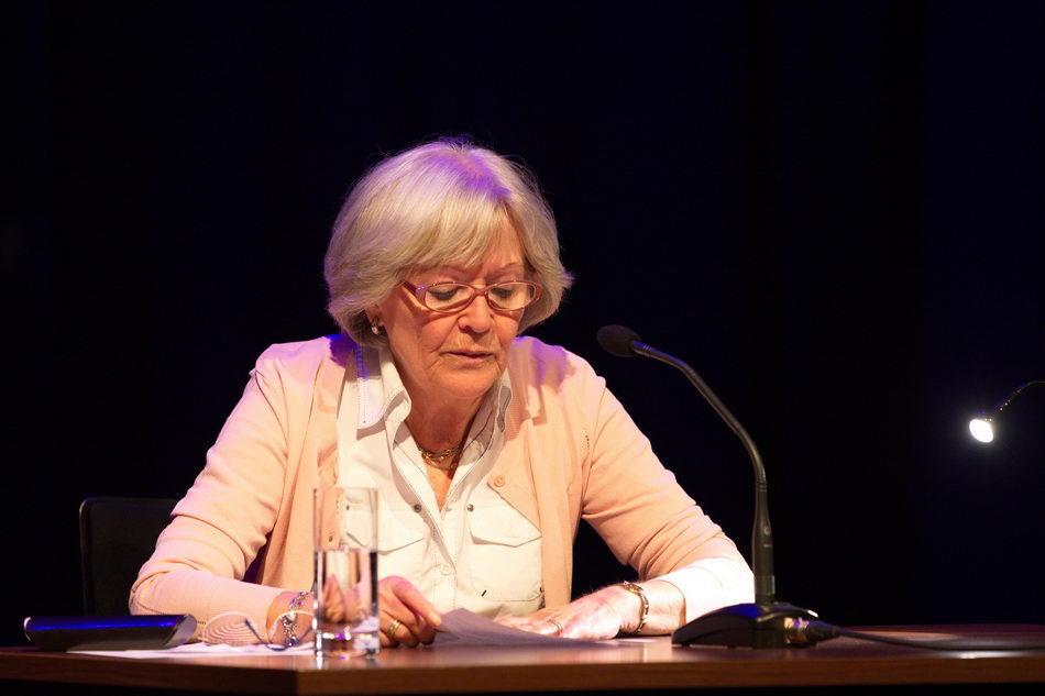 """""""Einscheunen"""" im K.U.L.T. in Hof   LiteraturLobbyLand   Heidi Merkel"""