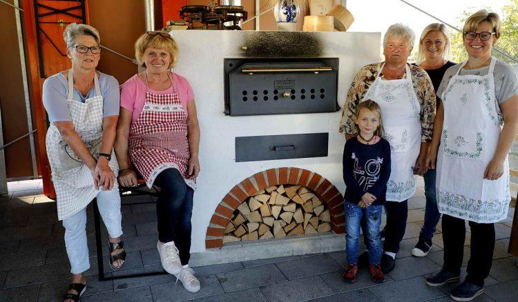 Brotbacken in Tarsdorf