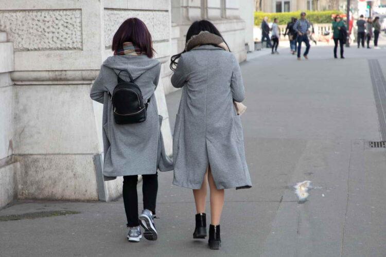 Modebewußte junge Damen