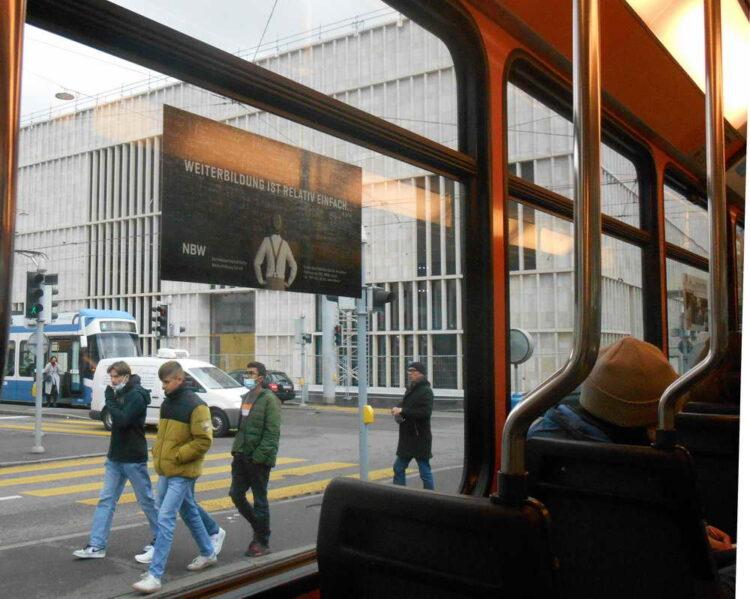 Das neue Kunsthaus aus dem Tram